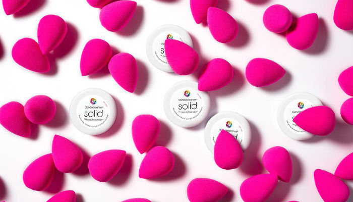 6-Ways-Youre-Using-Your-BeautyBlender-Wrongly-Featured