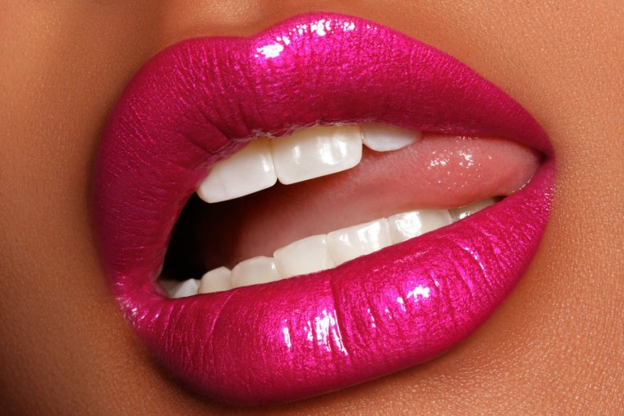 MetalLipgloss_LIP_WebImage_Lurk_1024x1024